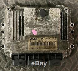 Calculateur RENAULT TRAFIC VIVARO 1.9 DCI 0281011530 HOM 8200051609 8200512196